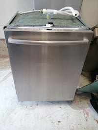 Bosch Dishwasher SHX7ER55UC - SELLING FOR PARTS TORONTO