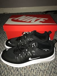 Nike Air Max Axis (Sz12adult)