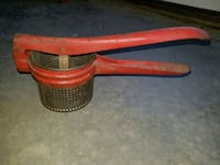 Vintage 1950's potato masher/ juicer Thurmont, 21788