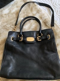 Michael kors leather purse  Barrie, L4N 6A1