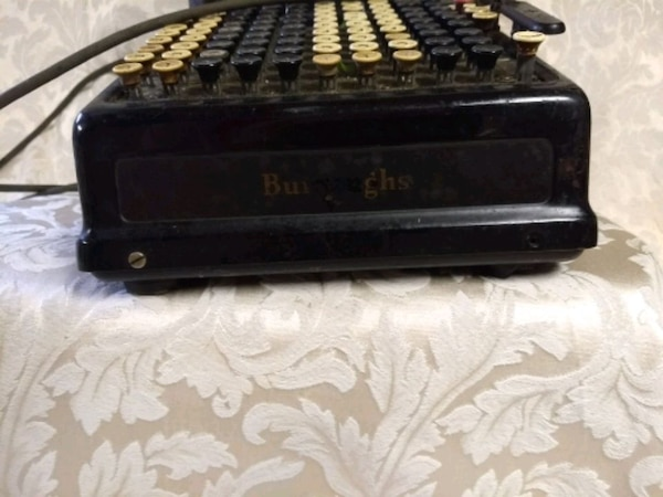 Antique Burroughs adding machine 6da3fbee-c3c3-4a61-8b55-0abb17161c74