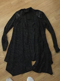 Woman's cardigan only worn couple times size sm/m pickup Fleetwood  Surrey, V3S 2S7
