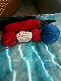 RED AND BLUE KNITTING YARN Sandia Park, 87047
