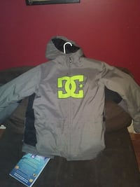 Grey and green DC jacket  541 km