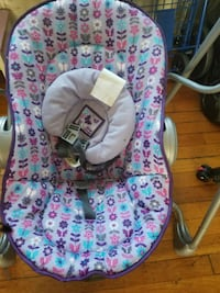 baby's pink and blue floral bouncer East Riverdale, 20737