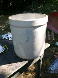 5 gallon antique crock great shape no cracks or chips Knoxville, 37918