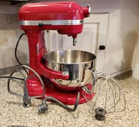 Brand new mixer red, KitchenAid,6 quart Parkville, 64152
