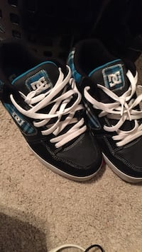Blue white and black dc skate shoes Springfield, 22153