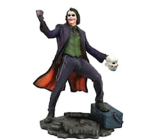DC Gallery The Dark Knight Joker statue