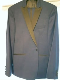 gray notched lapel suit jacket Barrie, L4N 0J9