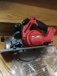 Milwaukee m18 fuel circular saw 71/4 in  Toronto, M3K 1Z1
