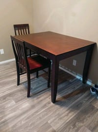 Kitchen Table (with two chairs) Henderson, 89015