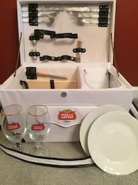 Brand new Stella Artois picnic basket. Complete Everything you need  Richland, 18951