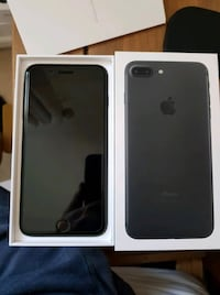 black iPhone 7 Plus with box Glenarden, 20706