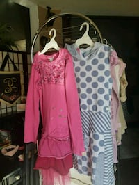 women's assorted clothes Palmdale, 93550