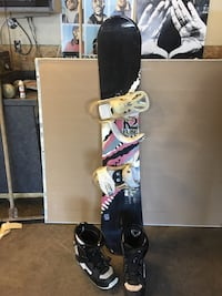 """Snowboard, boots and bindings for men 63"""" long Calgary, T3K"""