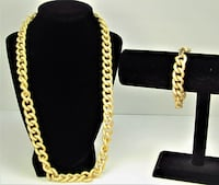 VINTAGE AVON GOLD TONE CHAIN LINK SIGNED BRACELET AND NECKLACE