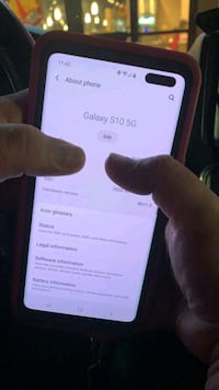 Samsung galaxy s10 5g (bigger n nicer then s10 plus)