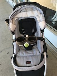 Baby's gray and black Britax stroller Negotiable Edison, 08817