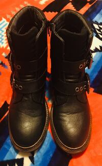 pair of black leather riding boots 3120 km