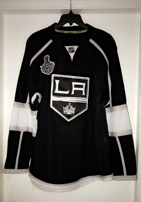 online retailer d8e5f 9b7ab LA KINGS AUTHENTIC HOME JERSEY 52 with 2012 NHL Stanley Cup Final Champions  Los Angeles Kings Jersey Patch