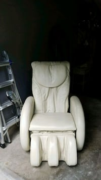 White Leather Back and Leg Massage Chair  Tampa, 33611