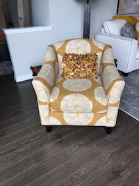 Brand New Accent Chair Reston, 20190
