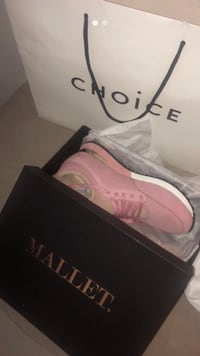 Pink mallet trainers  London, E3 2HA