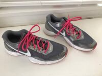 pair of gray Nike sneakers Weatherford, 73096