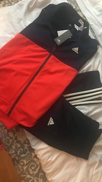 rød og svart Adidas zip-up jakke