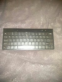 AmazonBasics Bluetooth Keyboard Washington, 20010