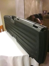 Like New Lockable 2 Gun Hard Case