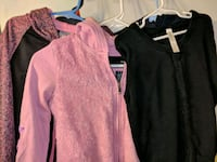 pink and black scoop neck long sleeve shirt Bakersfield, 93307