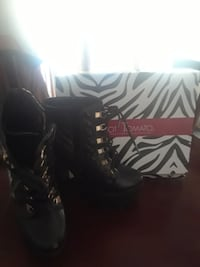 Designer Fashion Boots  147 mi