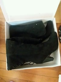 pair of black suede boots with box Lubbock, 79414