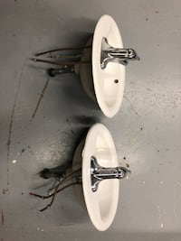 2 sinks and Moen facets Newmarket, L3Y 9C9
