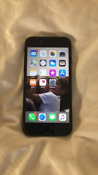 Mate Black iphone 7 with clear case  Toronto, M5C 2H4