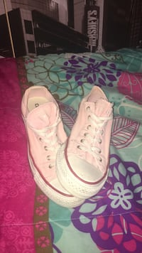 Pink Low-Top Converse West York, 17404