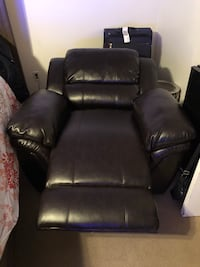 Recliner North Chesterfield, 23237