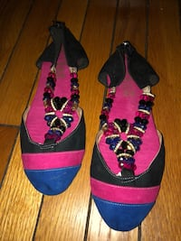 Pair of black-and-pink floral wedges Washington, 20010