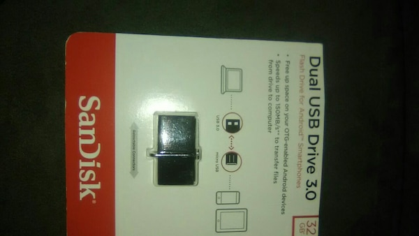 3.0 black SanDisk dual USB drive with pack