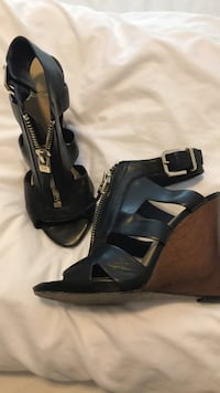 Marciano by Guess Wedges Size 7 Calgary, T2S 3C9