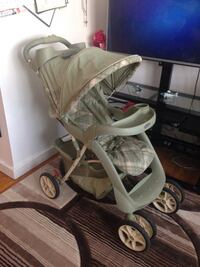 Baby's gray and white graco stroller Winnipeg, R2M 3B9