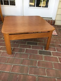 Must sell this wknd/$5 Low Oak coffee table Chantilly, 20152