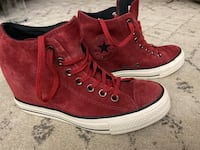 Converse SPECIAL EDITION Wedges size 8 in Red Suede Haverhill, 01835