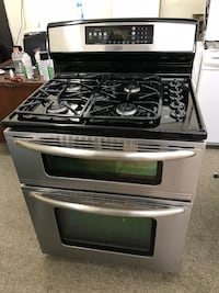 Kenmore 5 Burners Double Oven Stainless Steel Gas Stove in Excellent Working Conditions 100 Days Warranty  Baltimore, 21222