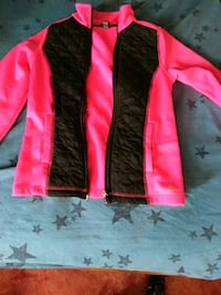 red and black long-sleeved shirt Kennewick, 99336