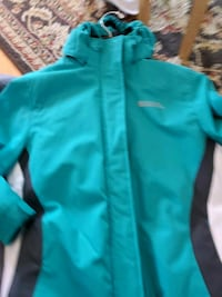 Mountain warehouse size 6  Richmond Hill, L4S 0C2