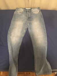 New guess jeans sz 32 mens