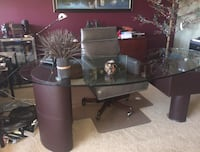 Beautiful Glass and Leather Desk Calgary, T3A 2M3